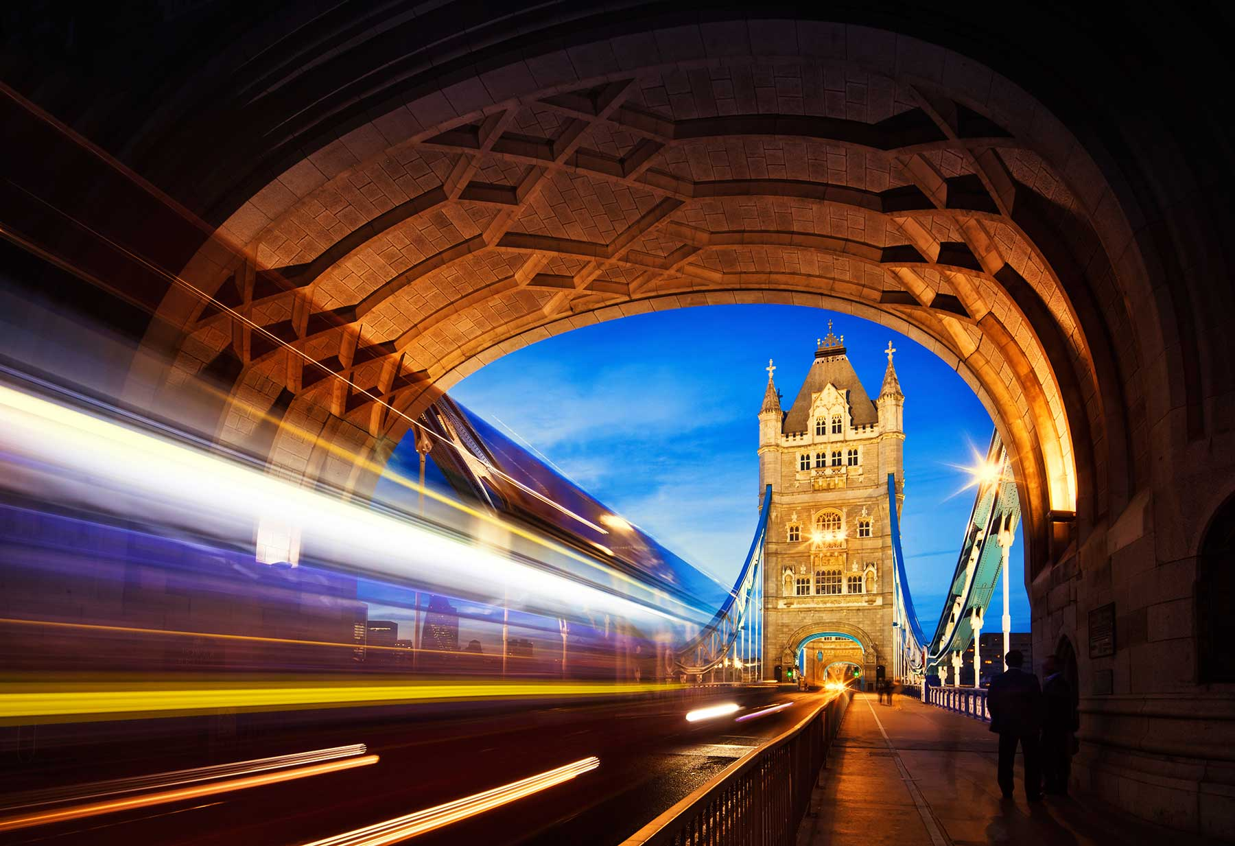 the tower bridge report Tower bridge is a combined bascule and suspension bridge in london built between 1886 and 1894 the bridge crosses the river thames close to the tower of london and .