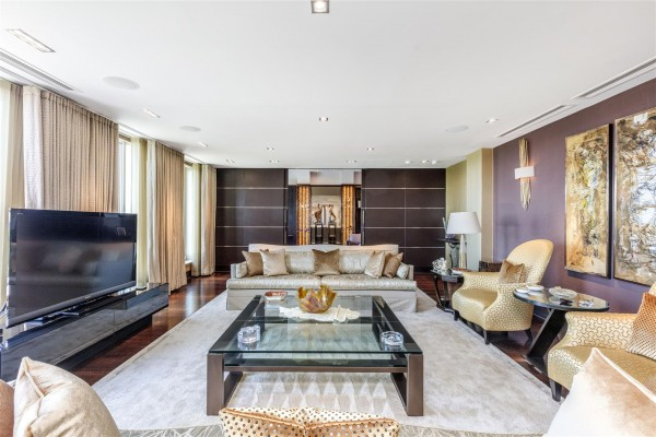 Luxury Apartments for Sale in Chelsea Bridge Wharf | Homes in SW1A